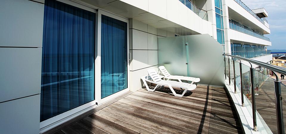Балкон в гостинице в Сочи, отель Санремо